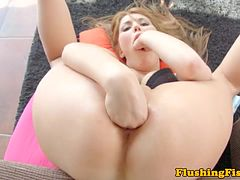 Fisting fetish babe fists her gaping pussy