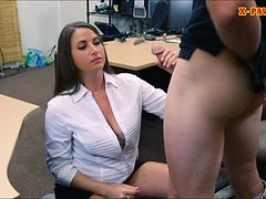 big-butt-amateur-masturbates-and-gives-head-a-pawnkeeper
