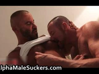Extremely Hot Gay Men Sucking